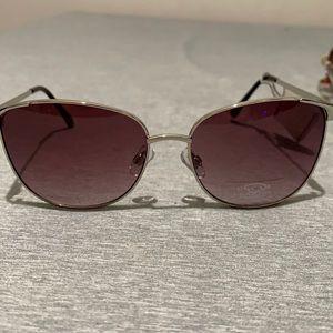 Oscar women's sunglasses NWT